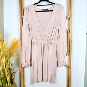 Boohoo top size 8 light pink long sleeves soft